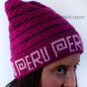 Bonnet en alpaga rose