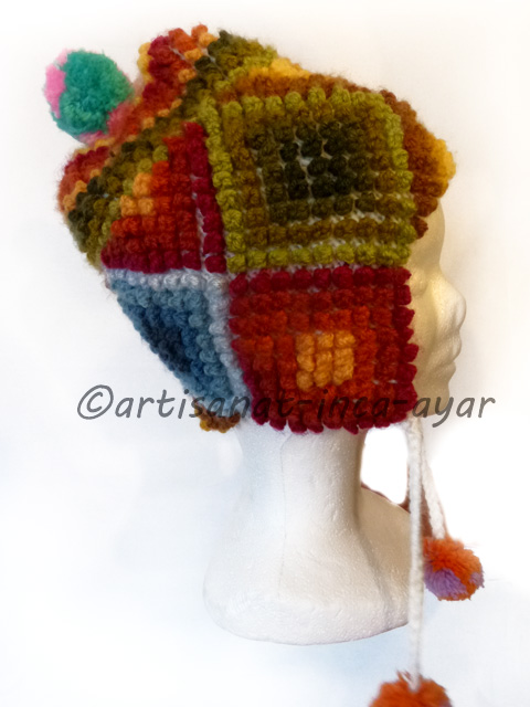 Bonnet à oreille multicolore modèle puntitos